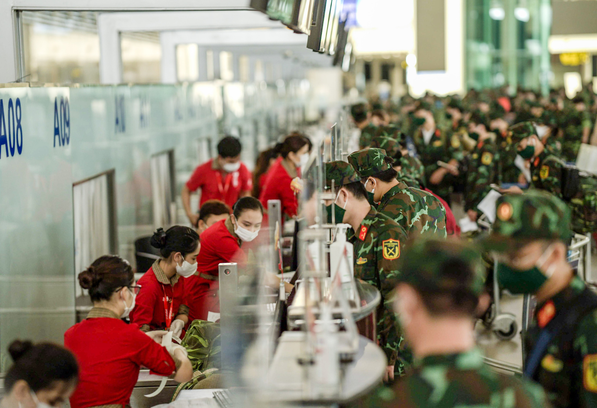 Tập trung nhân lực hỗ trợ các tỉnh, TP phía Nam - Ảnh 1.