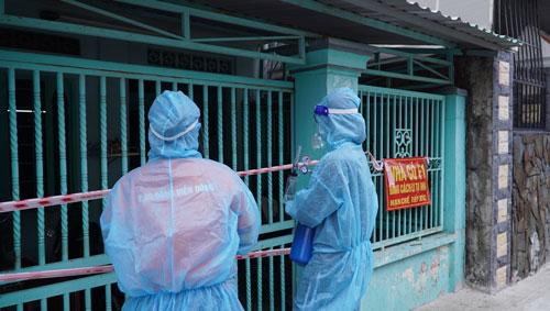 Bác sĩ Trương Hữu Khanh: F0 tại nhà - Đừng để nặng thêm vì dùng thuốc sai! - Ảnh 1.