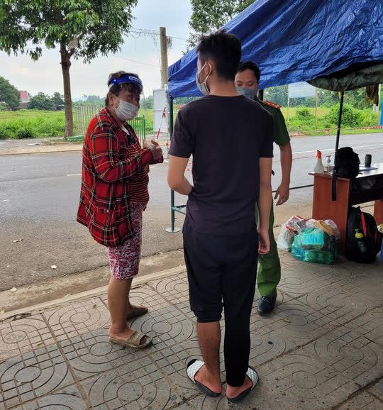 Không còn tiền ở trọ, thiếu niên 15 tuổi đạp xe từ Bà Rịa – Vũng Tàu để về Đắk Lắk - Ảnh 3.