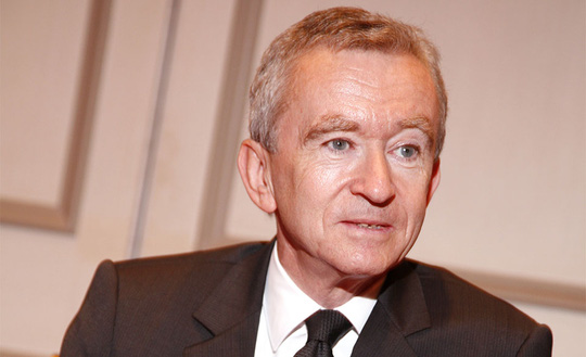 Ông trùm hàng hiệu của Pháp trở lại là người giàu nhất thế giới - Ảnh 1.