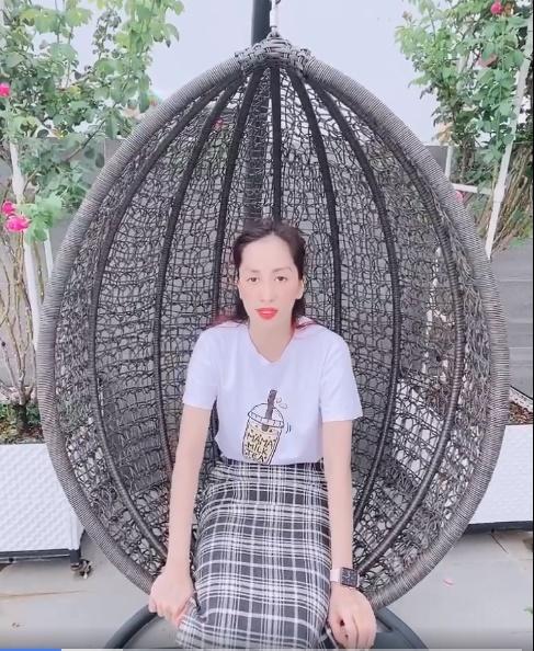 Khánh Thi lên tiếng về việc livestream khóc lóc trong đêm - Ảnh 2.