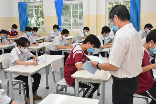 30% thí sinh điều chỉnh nguyện vọng xét tuyển đại học - Ảnh 1.