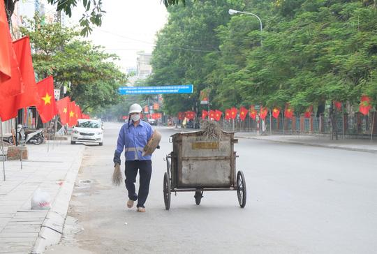 Hà Nội thực hiện nghiêm giãn cách xã hội trong ngày Quốc khánh 2-9 - Ảnh 25.