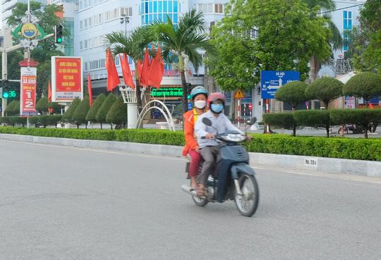 Hà Nội thực hiện nghiêm giãn cách xã hội trong ngày Quốc khánh 2-9 - Ảnh 29.