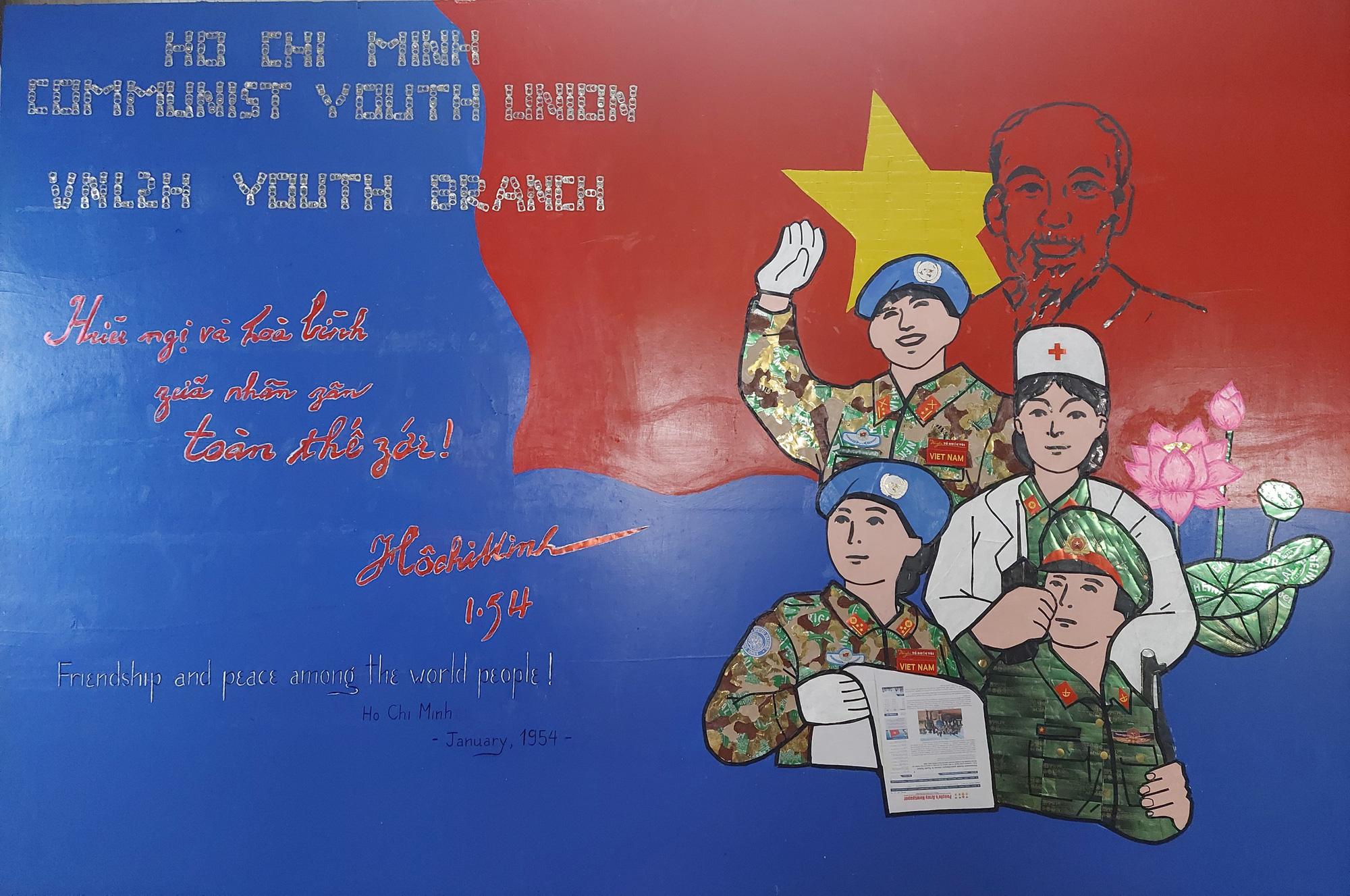 Bất ngờ tranh kỷ niệm Quốc khánh 2-9 của Bệnh viện dã chiến mũ nồi xanh Việt Nam tại Nam Sudan - Ảnh 6.