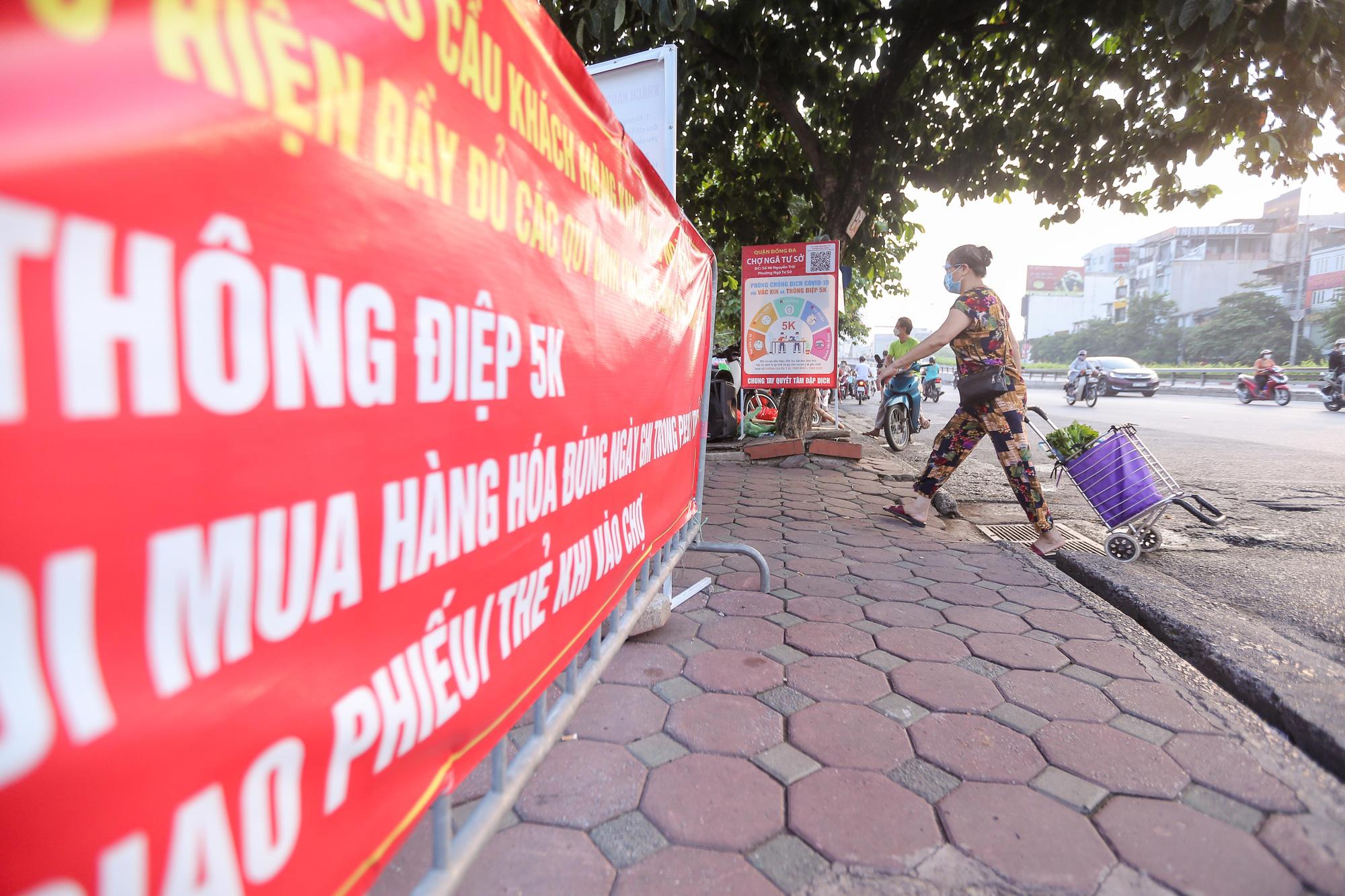 Những hình ảnh ở Hà Nội trong ngày đầu hết giãn cách, ai nhìn cũng ước ao - Ảnh 2.