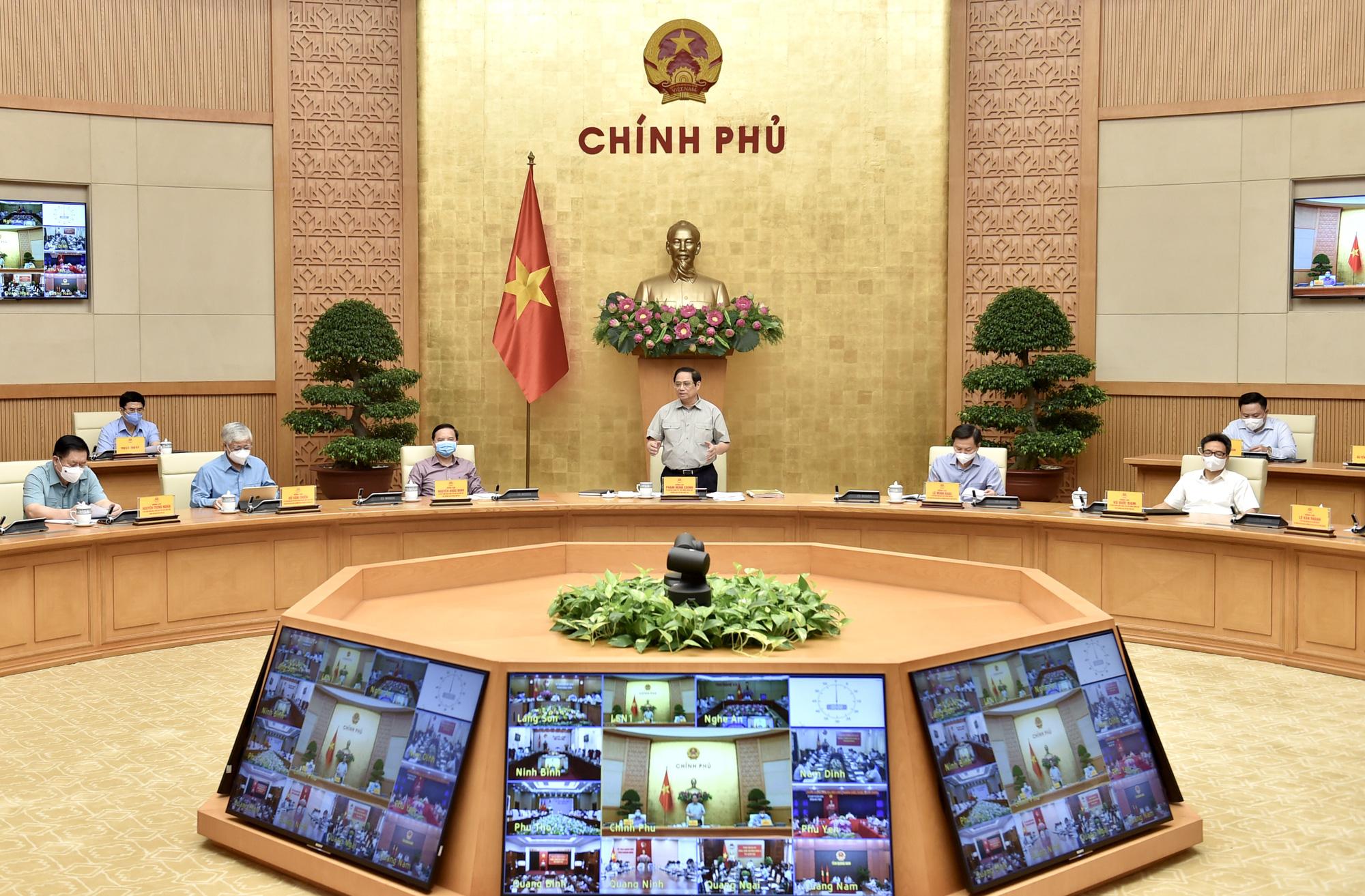 Thủ tướng: Cố gắng đến 30-9 nới lỏng giãn cách để khôi phục phát triển kinh tế-xã hội - Ảnh 1.