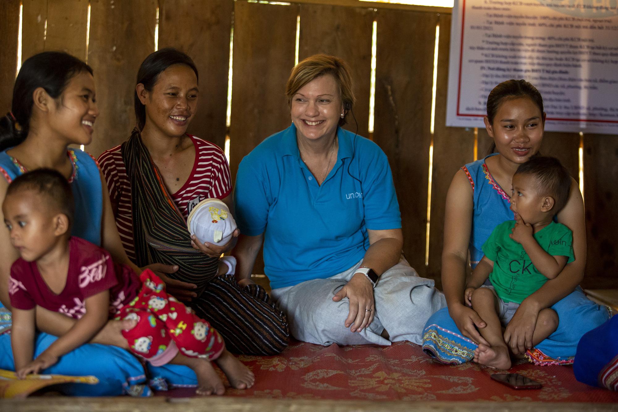 UNICEF bày tỏ quan điểm về việc chăm sóc trẻ em mồ côi do Covid-19 tại Việt Nam - Ảnh 2.