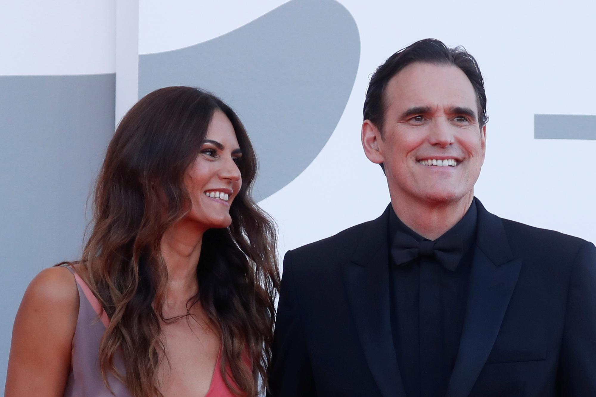 """Sao phim """"Avatar"""" trao nụ hôn trên thảm đỏ Liên hoan phim Venice - Ảnh 6."""