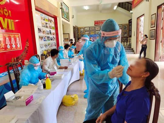 Bộ Y tế đề nghị Hà Nội, TP HCM và 21 tỉnh, thành thần tốc xét nghiệm Covid-19 - Ảnh 1.