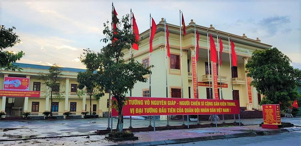 Quảng Bình: Cho thôi chức Giám đốc Trung tâm văn hóa huyện vì hồ sơ có vấn đề - Ảnh 1.