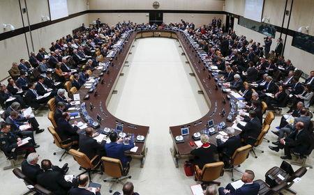 Các ngoại trưởng NATO họp tại Brussels – Bỉ hôm 1-12. Ảnh: Reuters
