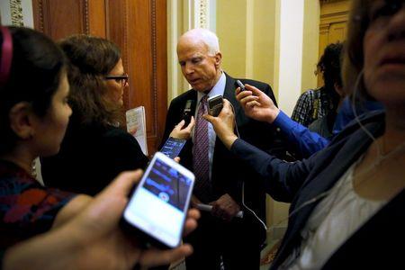 Thượng nghị sĩ John McCain kêu gọi chính quyền Obama đưa lực lượng đổ bộ sang Syria. Ảnh: Reuters
