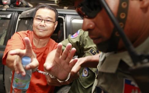 Ông Hong Sok Hour tới tòa. Ảnh: EPA