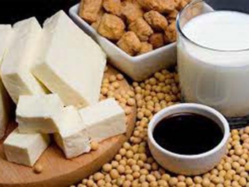 Thực phẩm từ đậu nành có thể giúp ngừa loãng xương ở phụ nữ mãn kinh Ảnh: MED.NEWS.AM