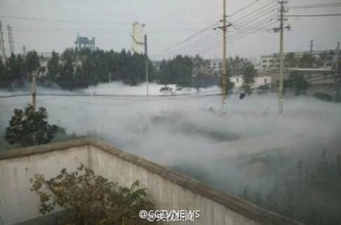 Đám sương trắng mất 3 giờ mới tan hết. Ảnh: SCMP