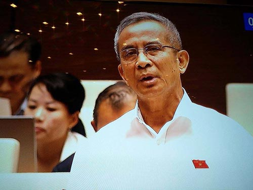 Theo đại biểu Đặng Ngọc Tùng, nên phát hành trái phiếu Chính phủ ra thị trường quốc tế để có nguồn ngoại tệ lớn