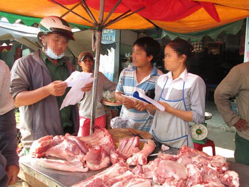 Tỉ lệ thịt heo bị ô nhiễm vi sinh hiện nay còn cao