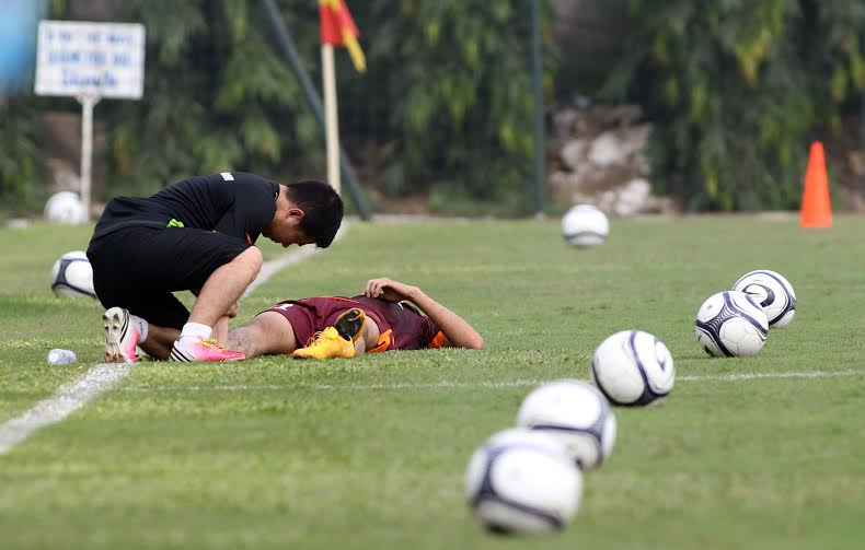 Chấn thương cột sống, Huy Toàn lỡ hẹn VCK U23 châu Á