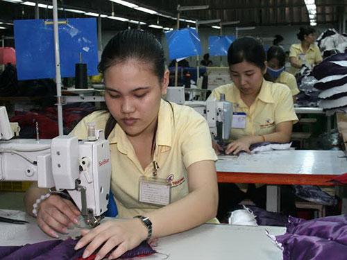 Người lao động luôn mong muốn doanh nghiệp thực hiện đúng các cam kết về việc làm, thu nhập
