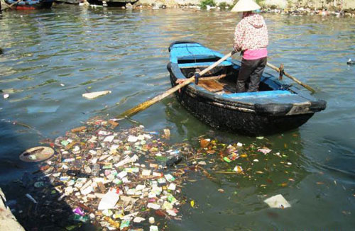 Rác thải đang là vấn nạn ở tỉnh Thanh Hóa khi chỉ 3 huyện có lò đốt rác công suất nhỏ  Ảnh: TUẤN MINH