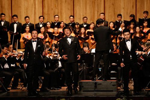 Những tiết mục pop kết hợp với dàn nhạc giao hưởng đang rất được yêu thích hiện nay Ảnh: Hoàng Sơn