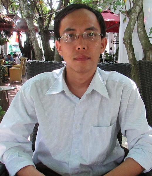 Ông Doãn Minh Đăng đồng ý rút thông tin tố cáo lãnh đạo nhà trường trên mạng. Ảnh: Thanh Dung