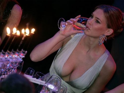 Siêu mẫu Bar Refaeli
