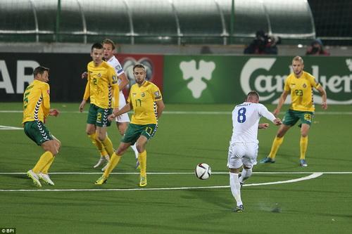 Ross Barkley ghi bàn trước Lithuania