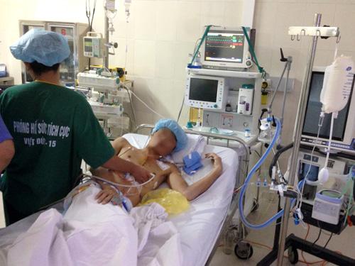 Ảnh: Bệnh nhân ghép tim tỉnh táo và dần ổn định sau ca ghép tim đặc biệt