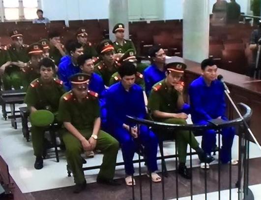 Các bị cáo tại phiên toà - Ảnh chụp qua màn hình