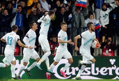 Nostjan Cesar mở tỉ số cho Slovenia