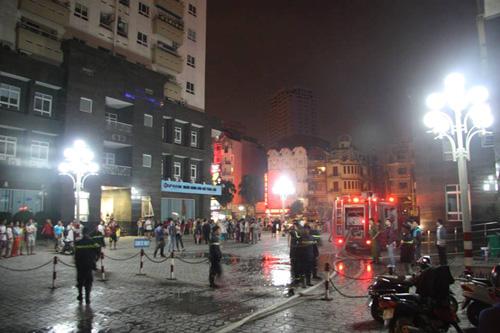 Vụ cháy khiến cư dân Vimeco hoảng loạn tháo chạy thoát thân xuống dưới đất