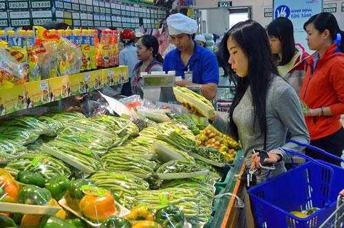 Rau củ quả an toàn được bày bán nhiều trong các siêu thị Ảnh: Tấn Thạnh
