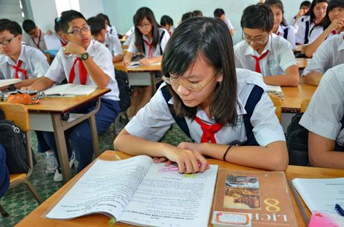 Học sinh Trường THCS Chu Văn An (TP HCM) trong giờ học lịch sửẢnh: TẤN THẠNH