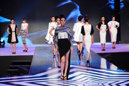 Các cuộc thi người mẫu trên truyền hình góp phần làm tăng lượng người mẫu lên theo cấp số nhân hiện nay. Trong ảnh: Cuộc thi Siêu mẫu Việt Nam 2015 (Ảnh do ban tổ chức cung cấp)