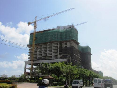 Công trình khách sạn năm sao JW Marriott, nằm trên đường Võ Nguyên Giáp (TP Đà Nẵng) đang xin tuyển 300 người Trung QuốcẢnh: Hoàng Dũng