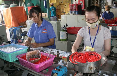 Chính sách chăm lo của doanh nghiệp tạo tâm lý làm việc thoải mái cho công nhân Công ty Vĩ Châu (quận 7, TP HCM)