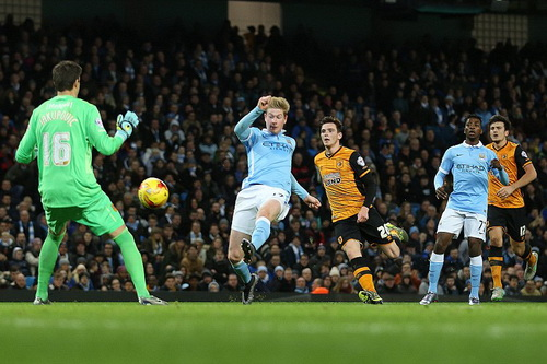 De Bruyne tỏa sáng với cú đúp bàn thắng, đưa Man City vào bán kết