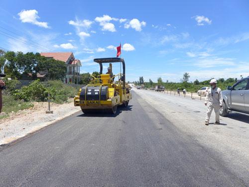 Dự án mở rộng, cải tạo Quốc lộ 1 hoàn thành đúng và vượt tiến độ nhờ sự vào cuộc quyết liệt của các bộ, ngành, địa phương