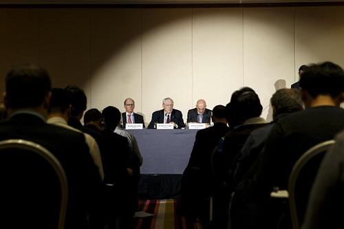 Cuộc họp báo công bố bản điều tra về sử dụng doping trong thể thao
