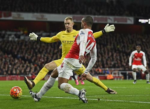 Thủ môn Joe Hart (Man City) sẽ rất bận rộn trước các chân sút Arsenal