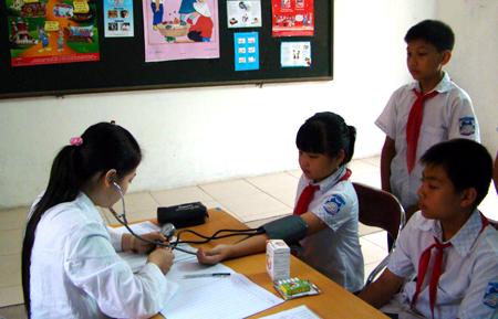 Cần nâng chất phòng khám y tế học đường. Ảnh: Thanh Duy