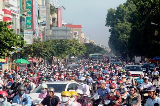 Cảnh tượng kẹt xe kinh hoàng trên đường Nguyễn Thái Sơn ở TP HCM - Ảnh: Gia Minh