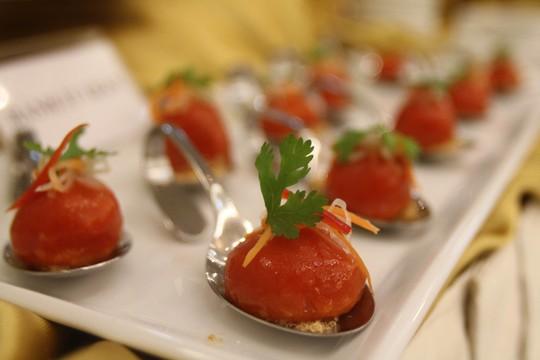 Bạn đã thấy món bánh ít trần nhân khoai nào đẹp và hấp dẫn thế này chưa?