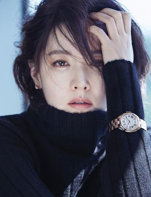 Lee Young Ae trẻ trung tóc ngắn