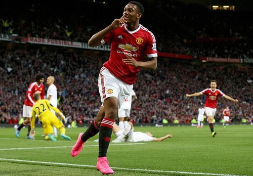 Anthony Martial tỏa sáng ngay trận đấu ra mắt ở Old Trafford