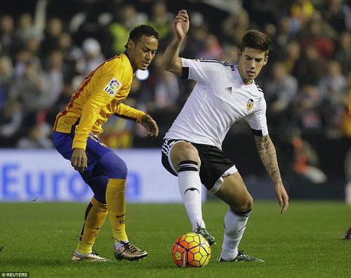 Cầu thủ 19 tuổi Mina gỡ hòa cho Valencia