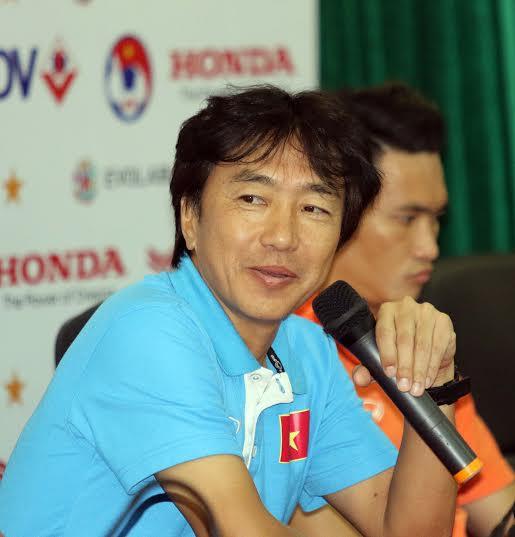 """HLV Miura: Tôi nghĩ rằng, thắng Thái Lan với các biệt 4, 5 bàn là phi thực tế, nhưng thắng với cách biệt 1 bàn là điều hoàn toàn có thể""""."""