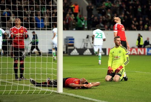 M.U sụp đổ sau bàn thua thứ ba cuối trận